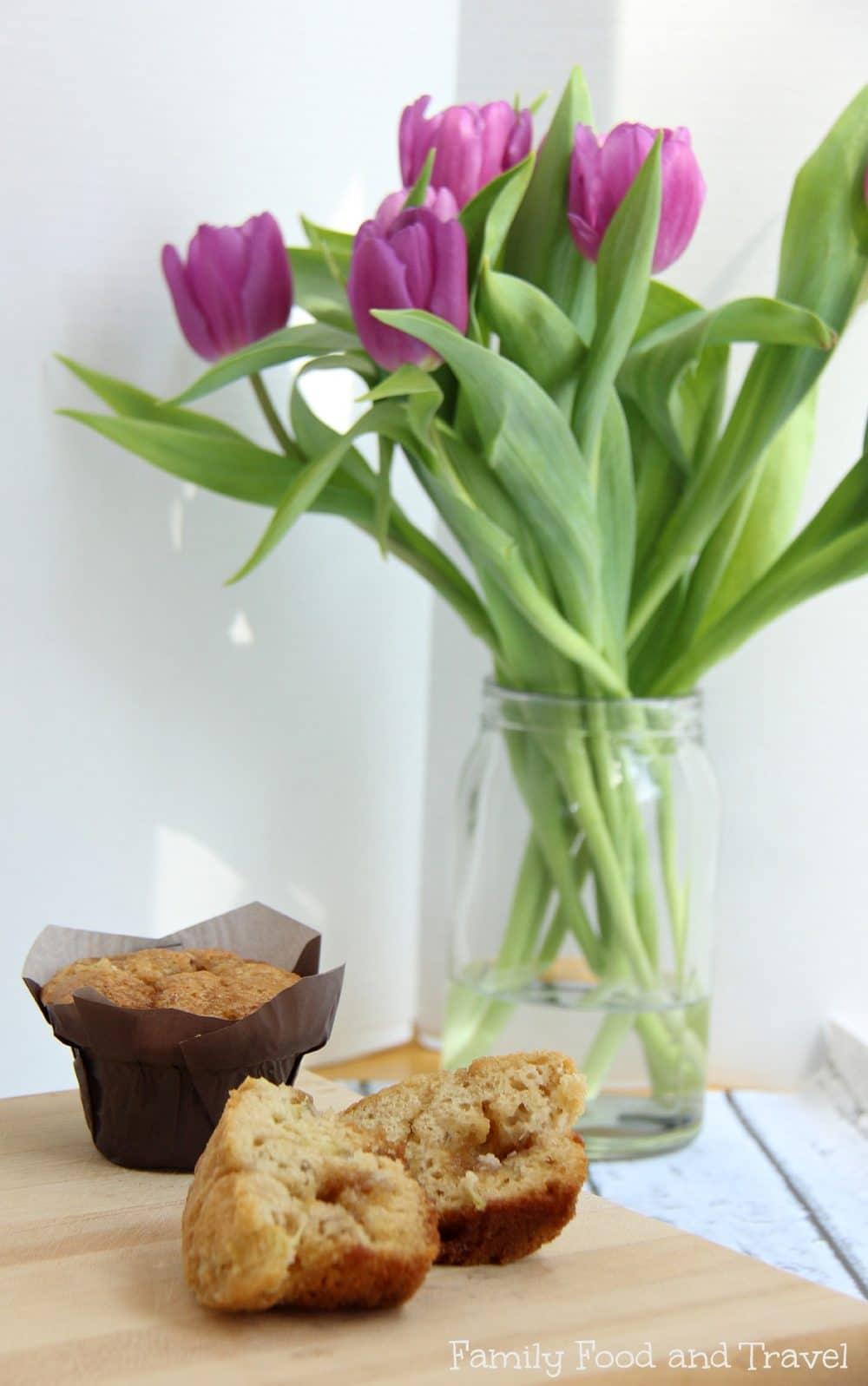 brown sugar rhubarb muffins