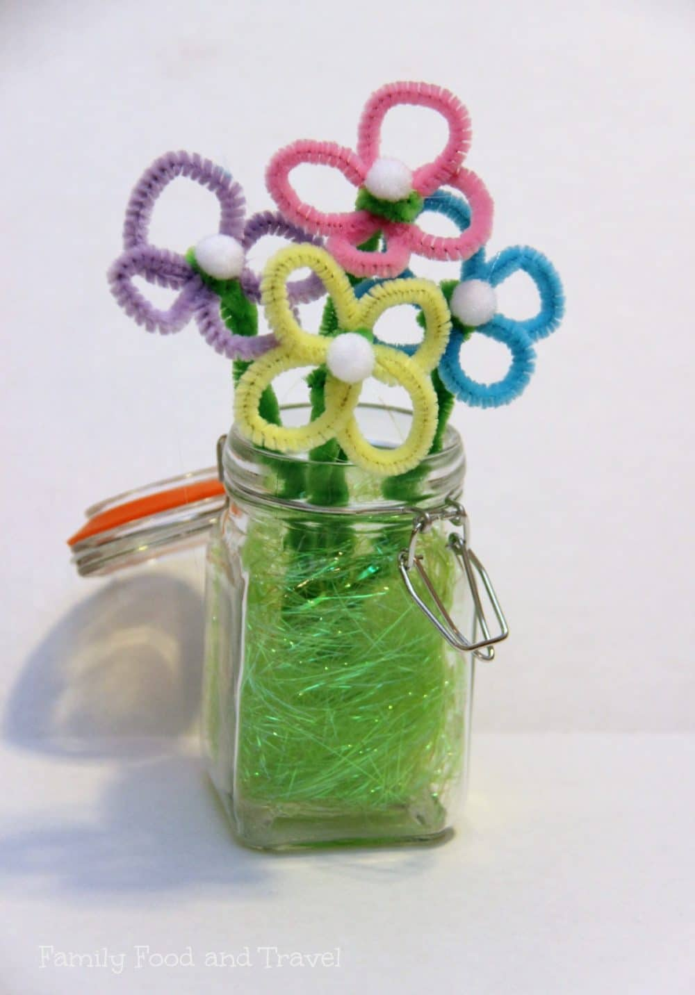 spring crafts pipe cleaner flowers