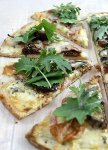 fig blue cheese and apple pizza