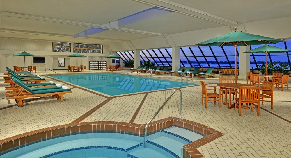 Westin Harbour Castle Swimming Pool