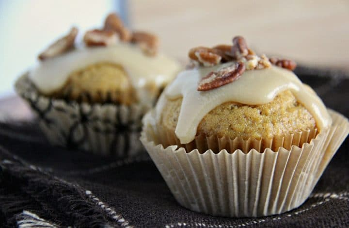 Pumpkin Muffins with Caramel Pecan Topping