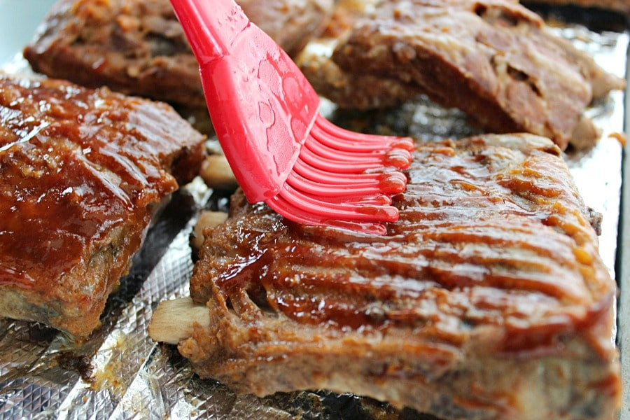 Slow Cooker Ribs with Apple BBQ Sauce