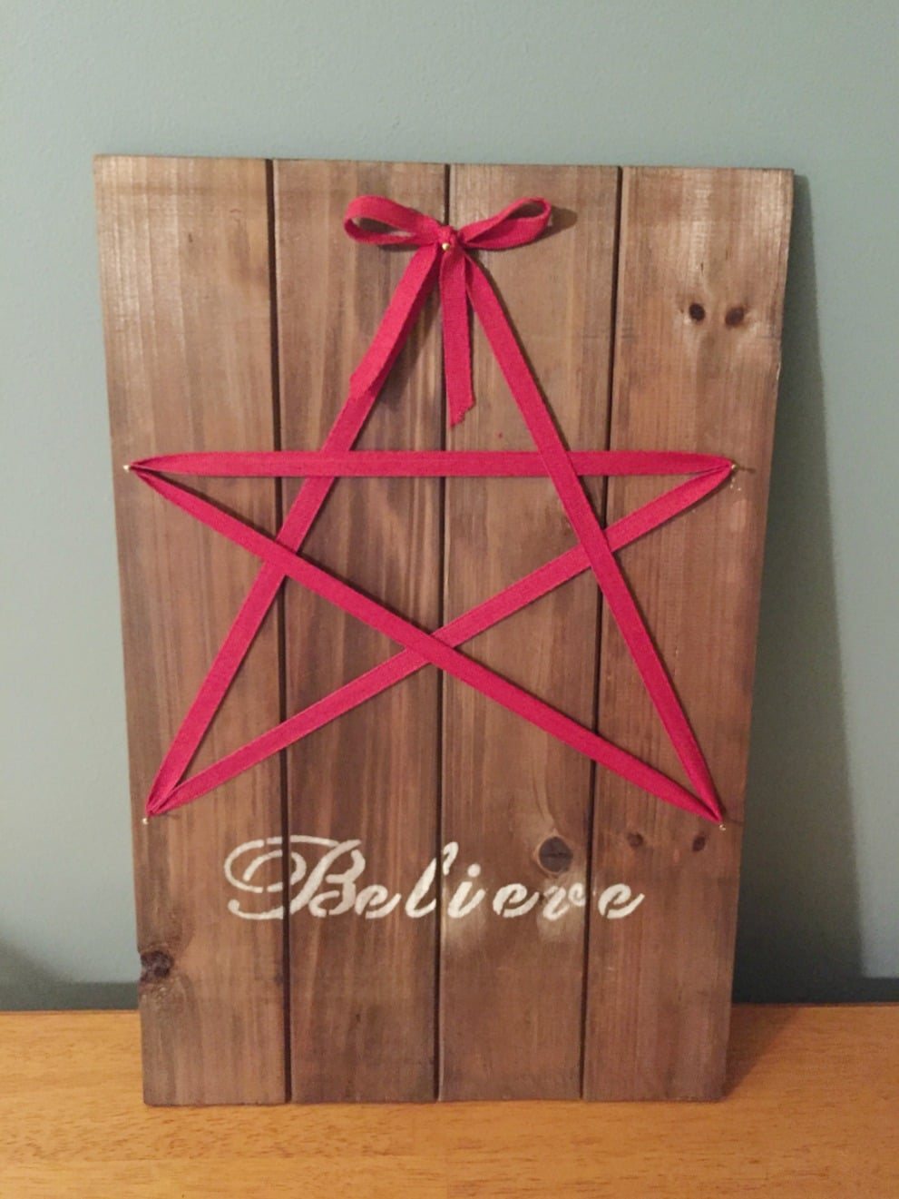 DIY Holiday Star Sign