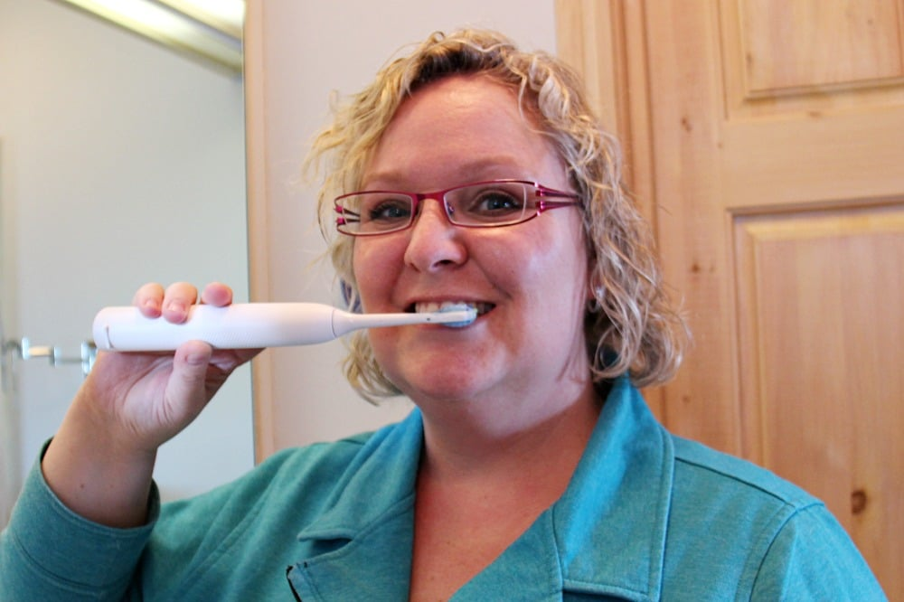 Getting Teeth Clean with Philips Sonicare FlexCare Platinum Connected