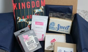 Sweet Reads Box – The Book Subscription Box