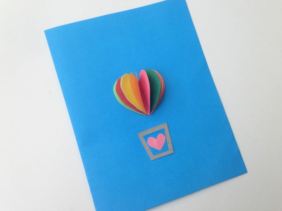Valentines Kids Craft heart air balloon