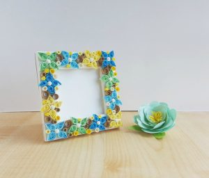 Paper Quilling Flower Frame
