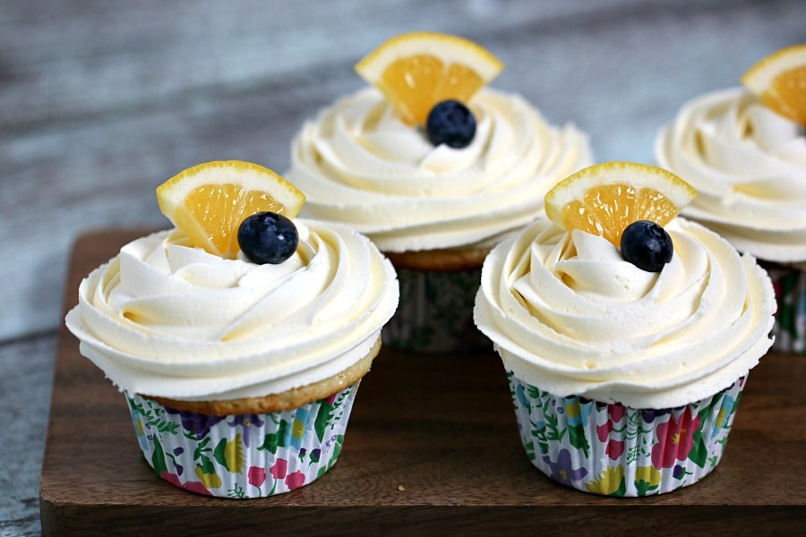 Lemon Cupcakes with Buttercream Frosting